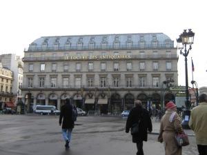 V Parij (100)