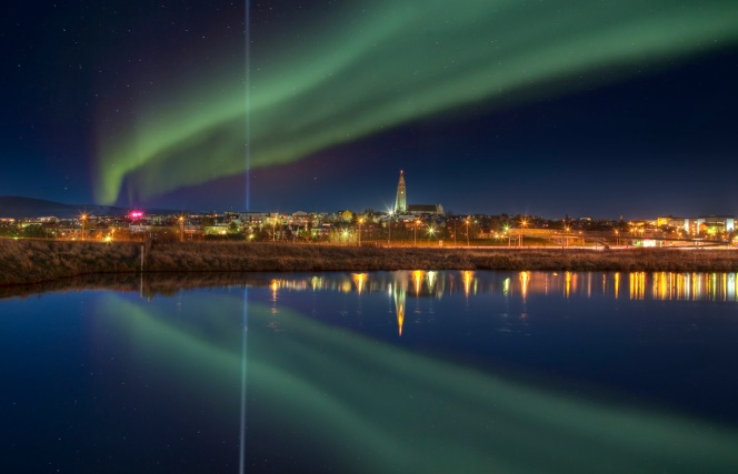 ICELAND-Reykjavik_Northern_Lights